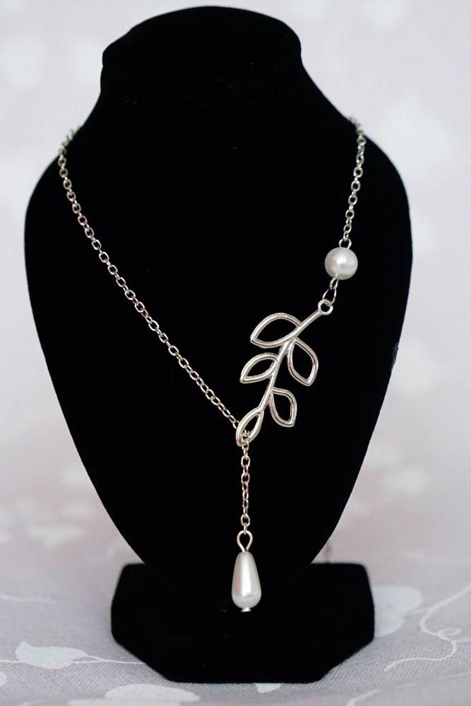 Provlékací řetízek s perlovým přívěskem
